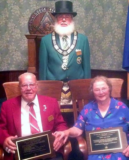 Grand Master Doug McFarland wtih Past Grand Master Les and Bettie Spies